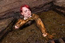 Girl Bathing In Cow Manure In ...