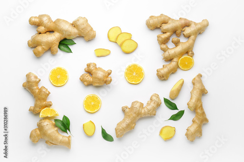 Fotografia Fresh ginger and lemon on white background