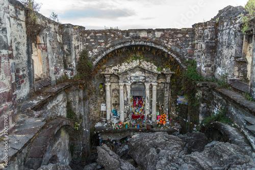 Ruinas del templo de San Juan, cubierto por lava del volcan Paricutin Canvas Print