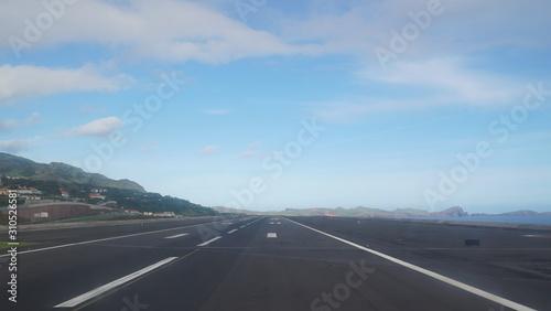 Startbahn - Landebahn von einem Flughafen Canvas Print