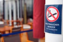 Rauchen Verboten Schild In Ein...