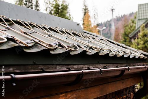 roof anti-icing system, for draining melt water Tapéta, Fotótapéta