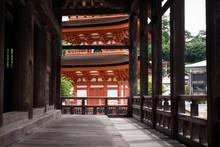 Toyokuni Shrine Five-story Pag...
