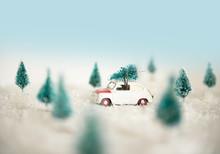 Oldtimer Mit Weihnachtsbaum Au...