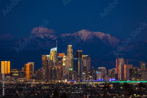 Naklejki miasto  6-lutego-2019-los-angeles-kalifornia-usa-city-of-angeles-los-angeles-skyline-w-ramce