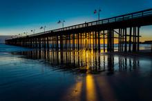 NOVEMBER 9, 2018 - VENTURA, CA, USA - Ventura Pier At Sunset, Pacific Ocean