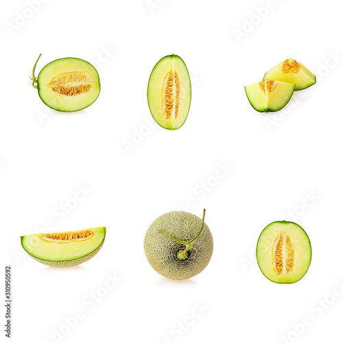 Fotomural melon slices isolated on white background