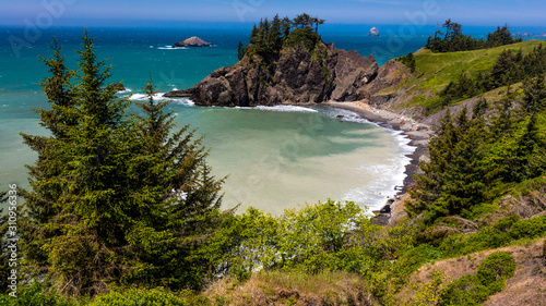 Photo MAY 30, 2019 - OREGON, COASTLINE - Beautiful Oregon Coastline along Route 101