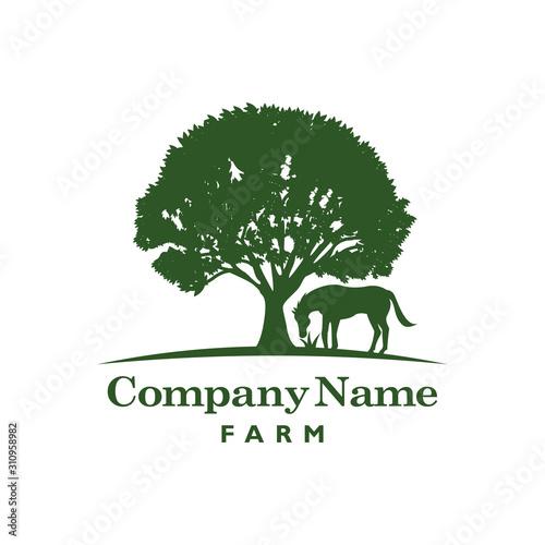 Fotografía Horse and Tree Logo