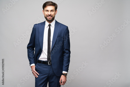 Fotografia studio photo of young handsome businessman wearing suit