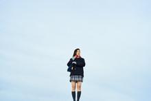 制服姿の女子高校生