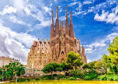 Leinwand Poster BARCELONA, SPAIN - SEPTEMBER 15,2015 :  Sagrada Familia  in  Barcelona