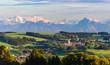 Idyllische Szenerie am bayrischen Alpenrand bei Günzach im Unterallgäu