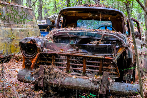 Old Rusted Out Car Fototapet