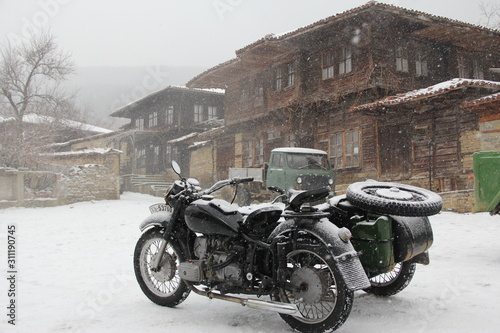 Fototapety, obrazy: old motorcycle on the road