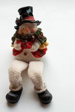 A Sitting Snowman Christmas De...