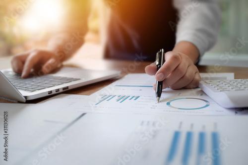 Fotografía Business colleague analysis data document