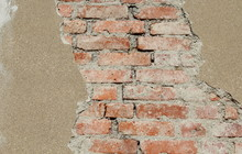 Muro In Mattoni Di Argilla - V...