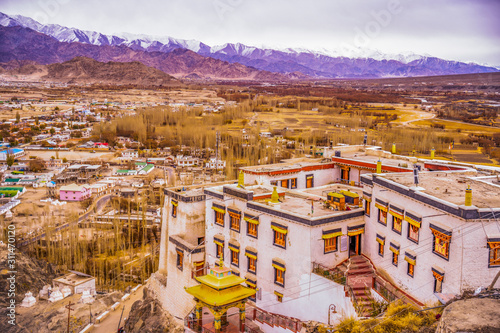 Fotografía  Buddhist Stupas and Monasteries