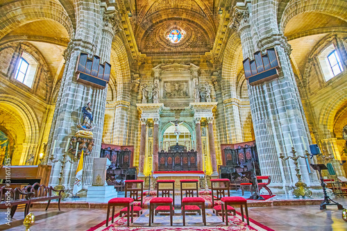 Fototapeta  The altar and choir of Holy Saviour Cathedral, Jerez, Spain