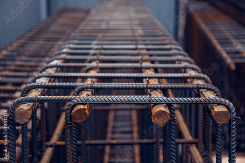 Steel bars for monolithic frame Lerretsbilde