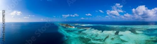 Fotografia Aerial view,  island Olhuveli and Bodufinolhu, South Male Atoll, Maldives