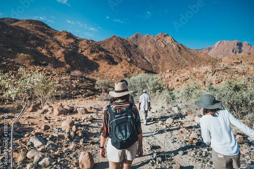Fototapeta hiking in the desert obraz