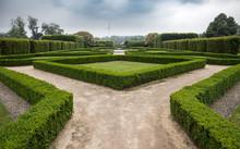 Symmetrical Park
