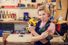 Young Handy Woman With Short B...