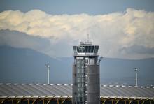 Torre De Control De Un Aeropue...