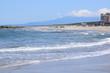 湯野浜海岸(ゆのはまかいがん)/ 山形県鶴岡市の湯野浜海岸は、非常にきれいな白砂が広がる海岸です。湯野浜は全国の名所の中から「日本の夕陽百選」にも選ばれたエリアで、日本海に沈む夕陽は大変素晴らしい景観です。湯野浜は日本海トップランクのリゾート地として、五感の全てを満たす多くの魅力にあふれたエリアです。