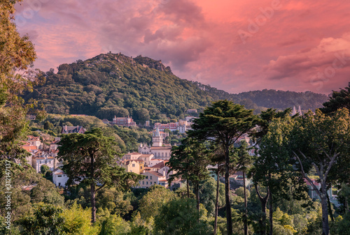 Fotografiet  Sunset view of the Portuguese town of Sintra with the Moorish fortress on the hi
