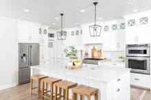A Beautiful Modern Farmhouse K...