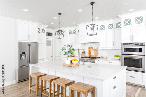 Foto A beautiful modern farmhouse kitchen.