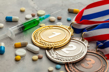 Doping For Athletes. Golds, Si...