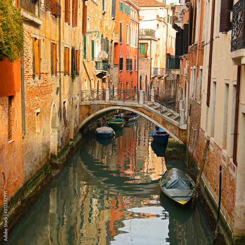 Fototapeta Venice in Italy, bridge and gondola obraz
