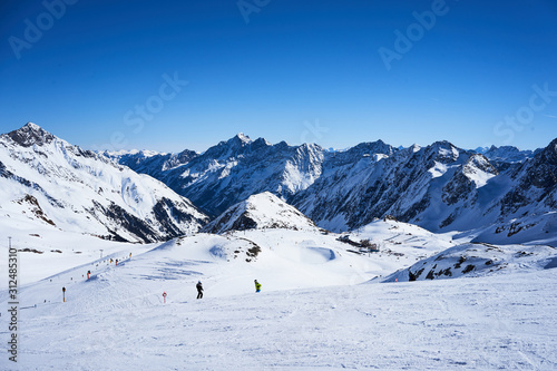 Fényképezés Stubaier gletscher, Austria - February 17, 2019 - In Austria's largest glacier ski area winter sports