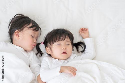 Fototapeta 子供 お昼寝 obraz