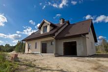 Dom W Trakcie Budowy, Wykonywa...