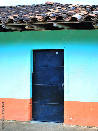 Photo Puerta Azul