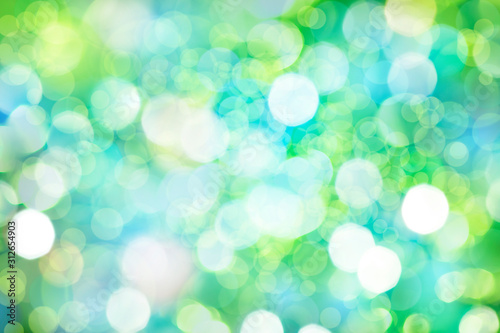 Obraz 緑のボケと光 - fototapety do salonu