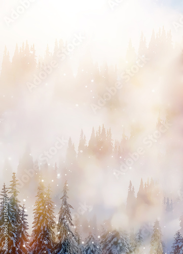 gorski-sniezny-krajobraz-i-snieg