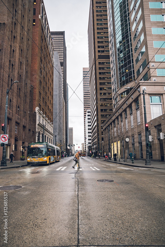 Seattle urban architecture and urban traffic roads фототапет