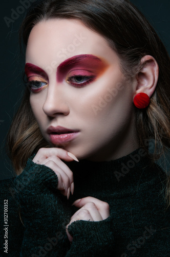 Cuadros en Lienzo fashion beauty portrait of model with modern vogue trendy make up, magazine edit