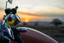 Harley Davidson Sunset Motorbi...
