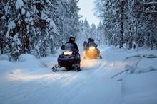 Unterwegs Mit Dem Motorschlitten In Lappland, Finnland