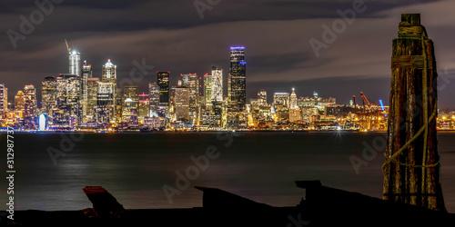 Photo SEATTLE NIGHT SKYLINE FROM ACROSS ELLIOTT BAY ON WEST SEATTLE ALKI BEACH, WITH O