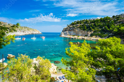 Photo Beautiful turquoise water at Anthony Quinn Bay Rhodes Island Rodos Greece Europe