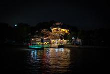 Bankok De Nuit Sur Fleuve Chao...