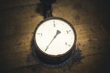 Grunge Old Pressure Meter Text...
